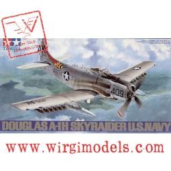 TAMIYA 61058 - Douglas A-1H Skyraider U.S. Navy
