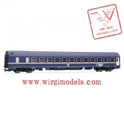 HR4241  FS, carrozza letti tipo MU 1973, nella livrea blu TEN