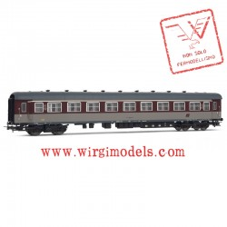 HR4254 FS, set 2 carrozze tipo '59 livrea rosso fegato di 1a e 2a classe